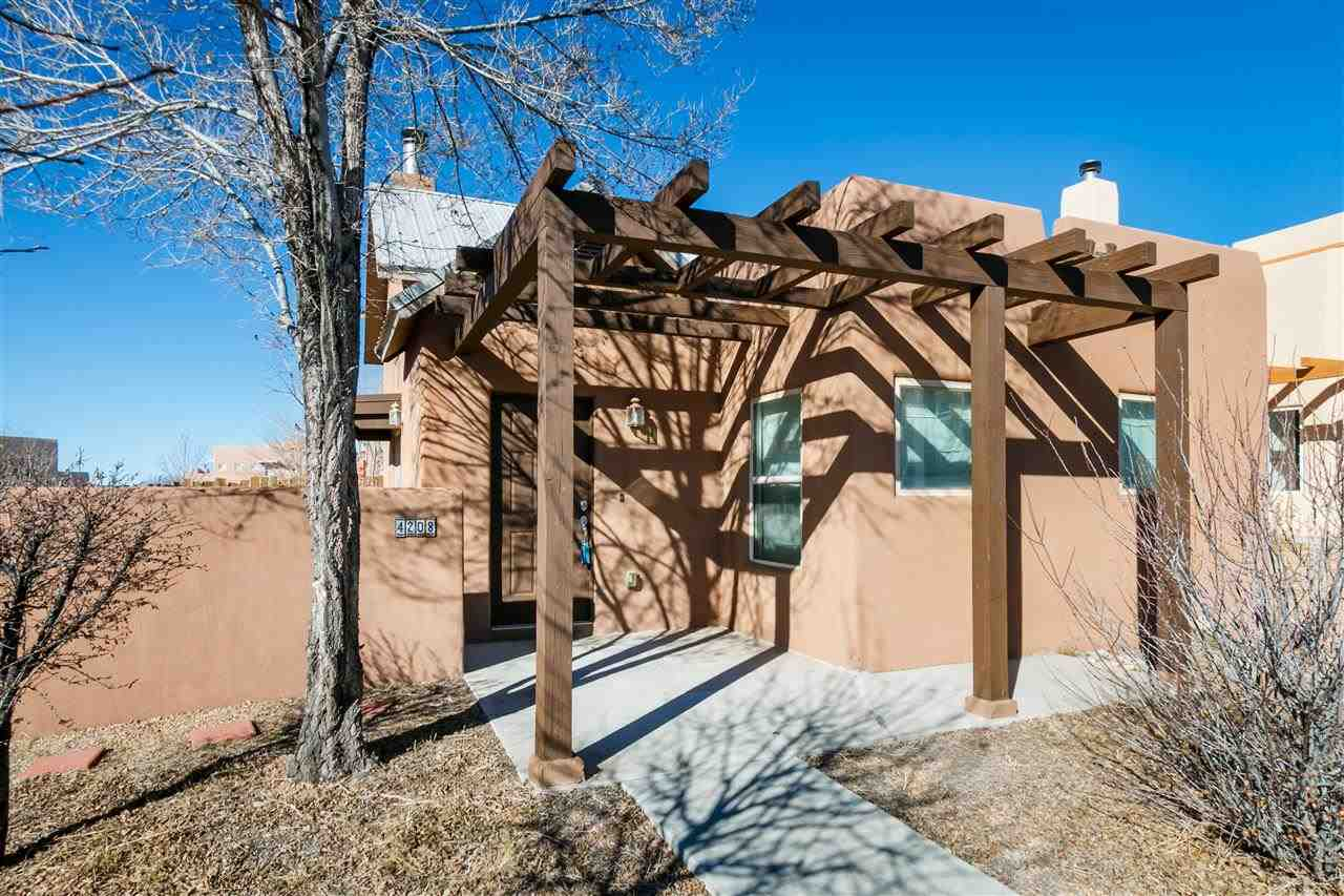 Why New Mexico Style Homes Are So Por